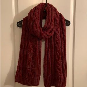 Hollister cable knit burgundy scarf